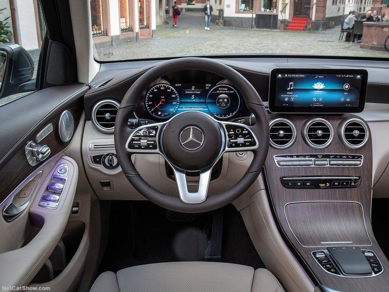Mercedes GLC 220d 4Matic Sport Noleggio Lungo Termine - Noleggio e Via